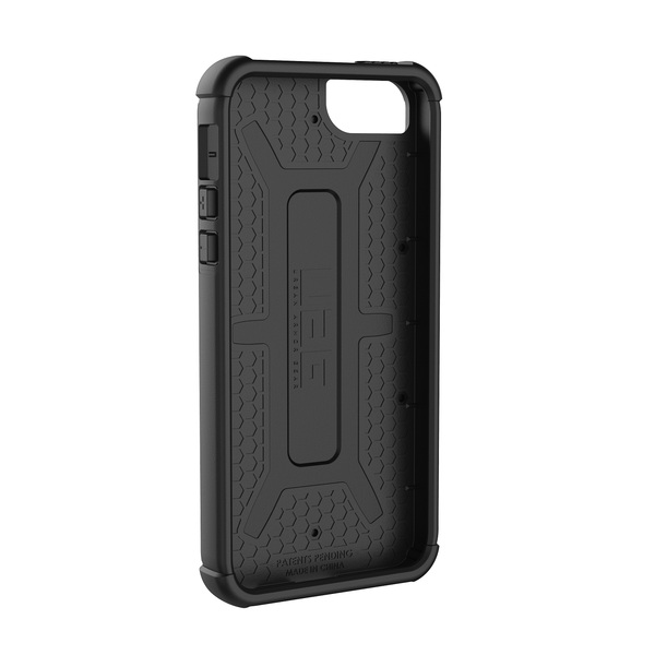 uag-iphone-se-black-03